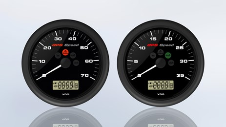 The multifunctional gauge with segment display indicates the Speed over Ground and includes a programmable speed alarm.